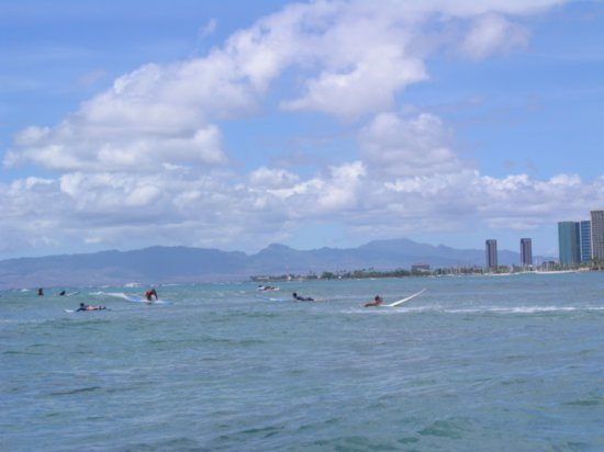 Surfing Waikiki 05