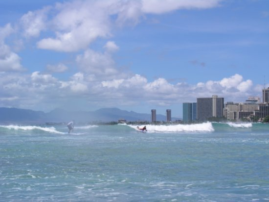 Surfing Waikiki 20
