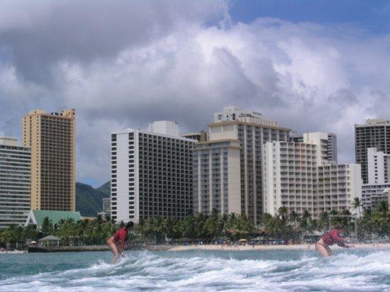 Surfing Waikiki 85
