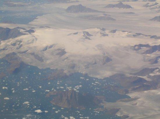 Above Greenland 05