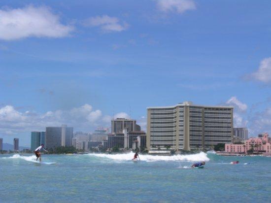 Surfing Waikiki 23
