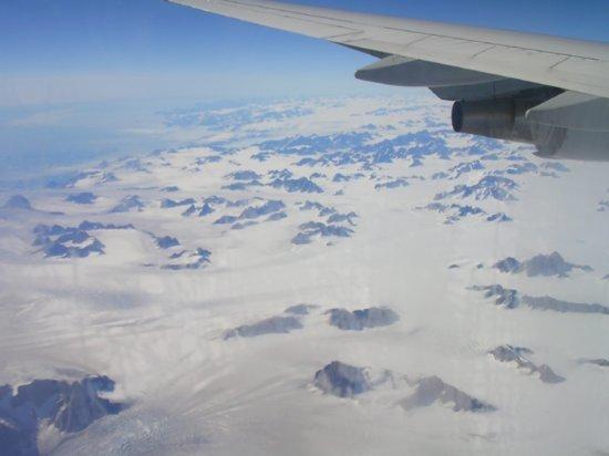 Above Greenland 09
