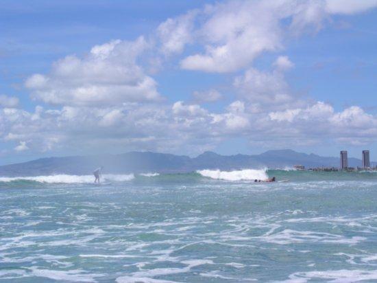 Surfing Waikiki 18