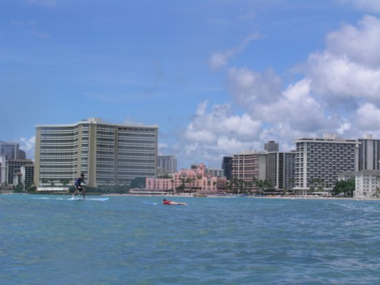 Surfing Waikiki 28