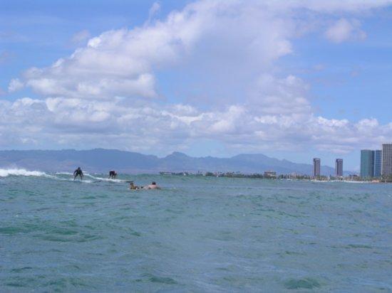 Surfing Waikiki 02