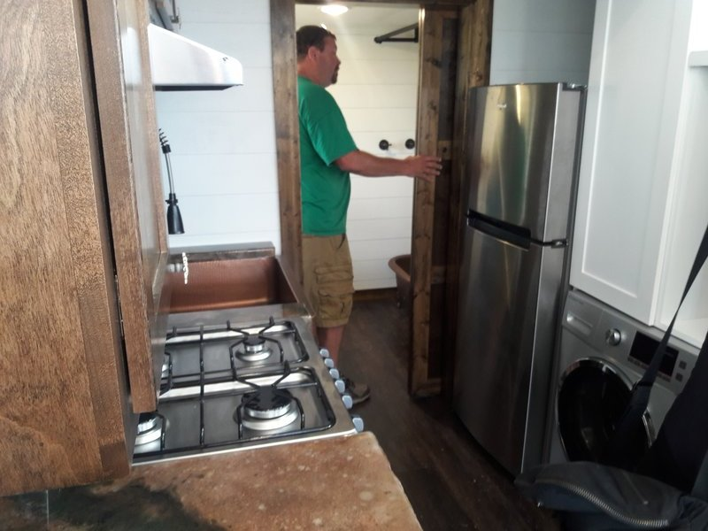 large_180_Colorado_T.._appliances.jpg