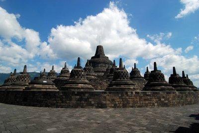 Borobodur_stupas.jpg