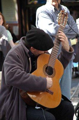 Guitar_player_3.jpg