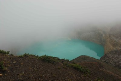 Kelimutu_lake.jpg