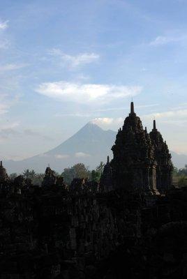 Prambanan_..volcano.jpg