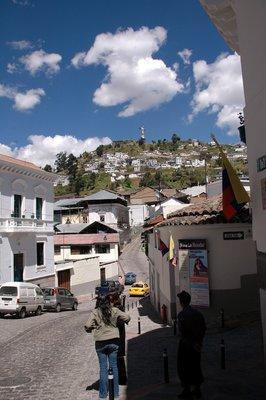 Quito_hill.jpg