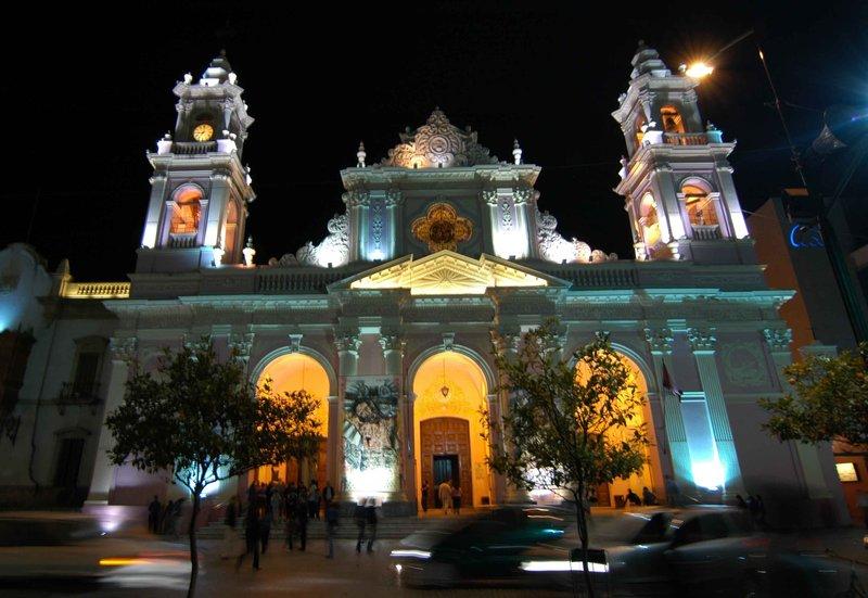 Salta cathedral at night