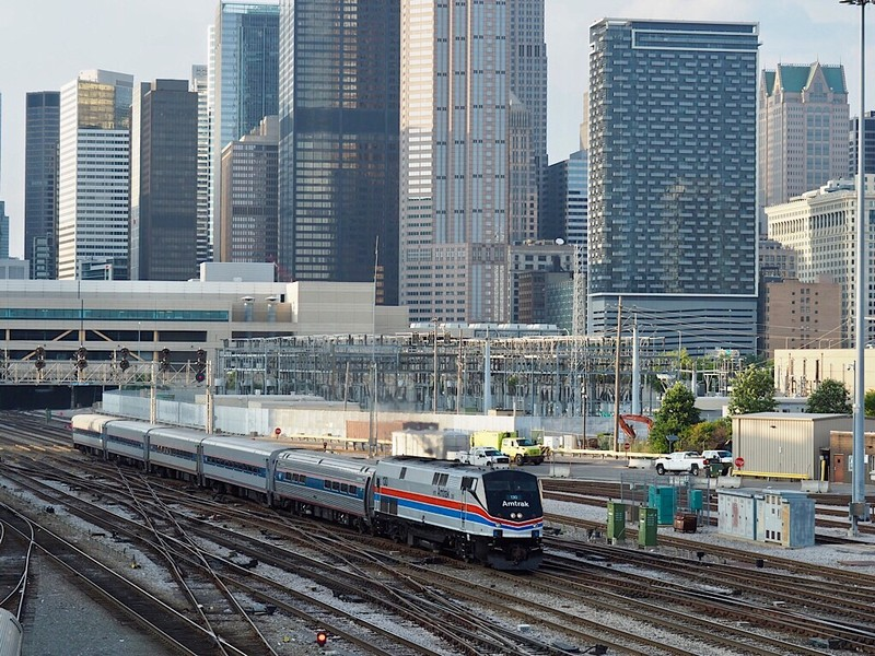 Amtrak Lincoln Service to St. Louis, MO, leaves Chicago Union Station