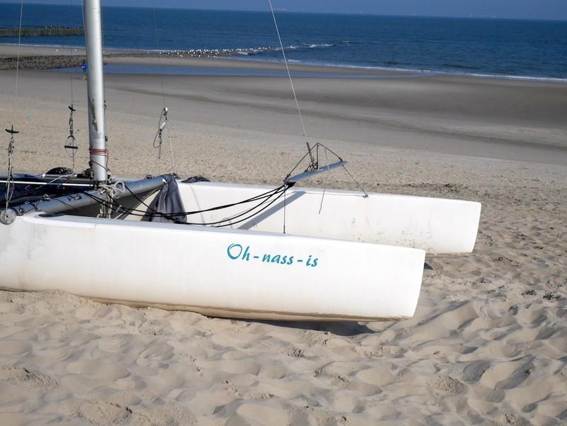 Segelboot am Strand von Wangerooge