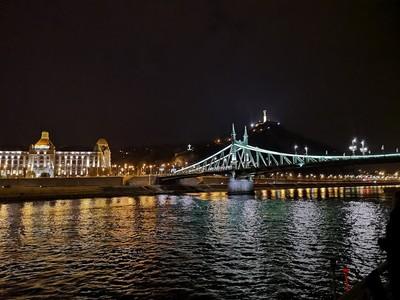 budapest_illuminations2.jpg