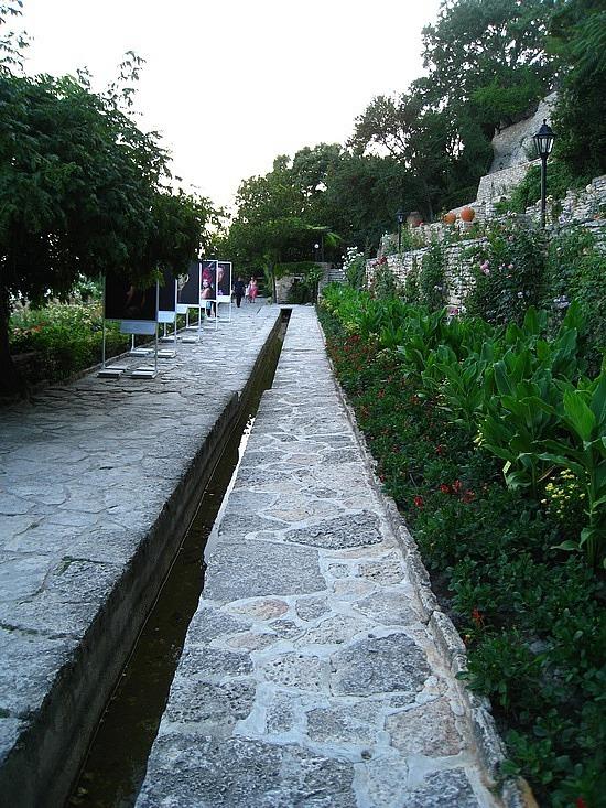 Neverending Botanical Garden