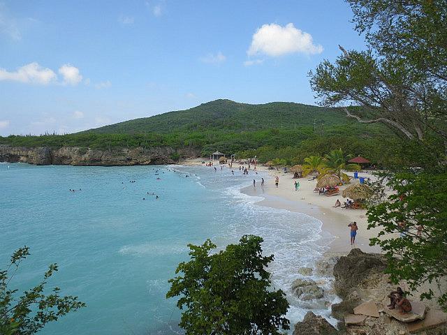 Playa Kenepa Grandi ...