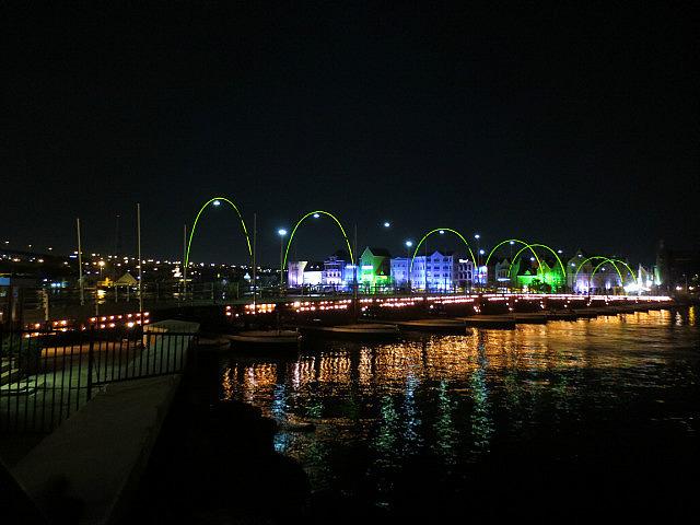 Queen Emma Pontoon Bridge by Night ...