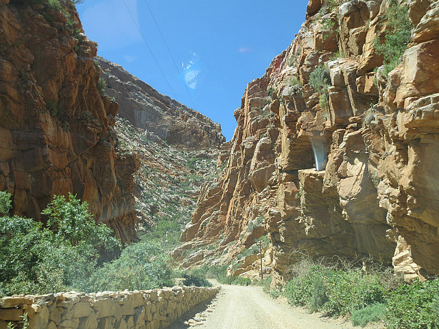 Driving the Swartberg Pass ...