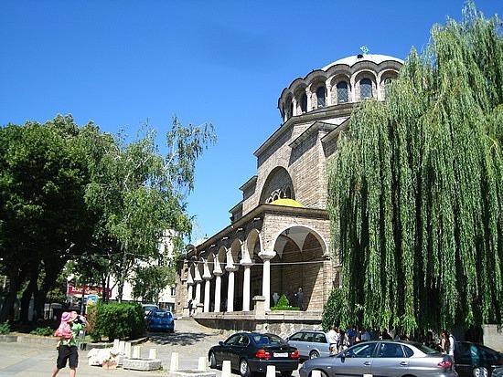 Sveti Nedelya, From the Outside