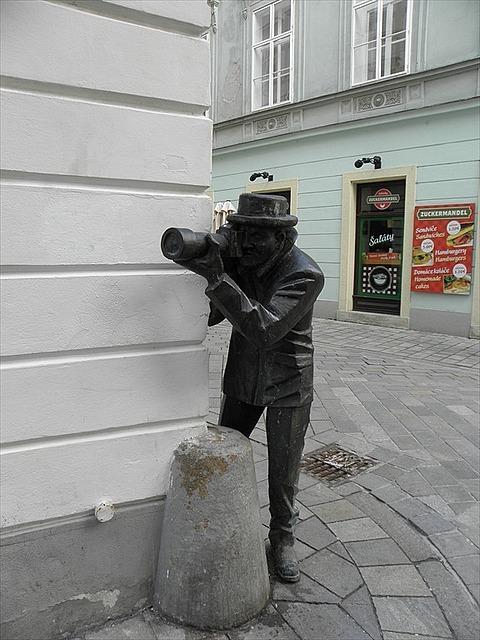 Man at work statue @ Bratislava
