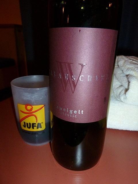 Petite bouteille de vin a Graz