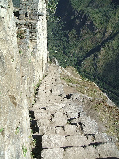 Stairs down the top of Wayna Picchu