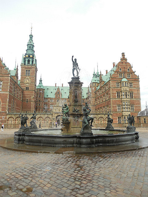 Fountain at Fredericksborg Castle