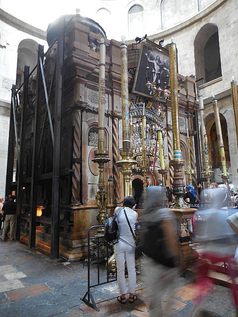 Main area of Church of Holy Sepulcher