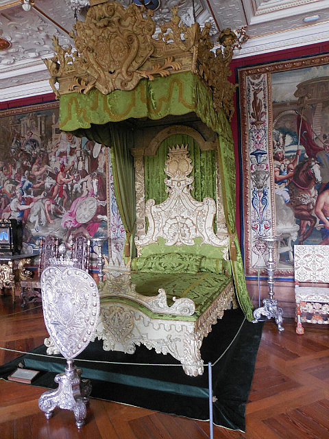 King's bed