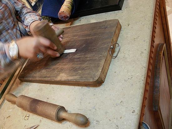 hammering papyrus