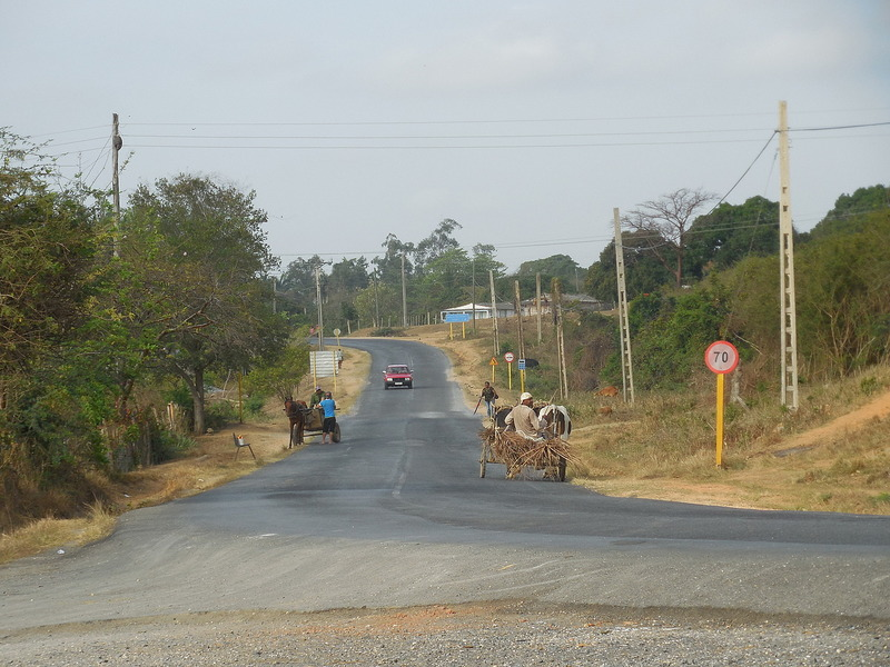 The road to Vinales
