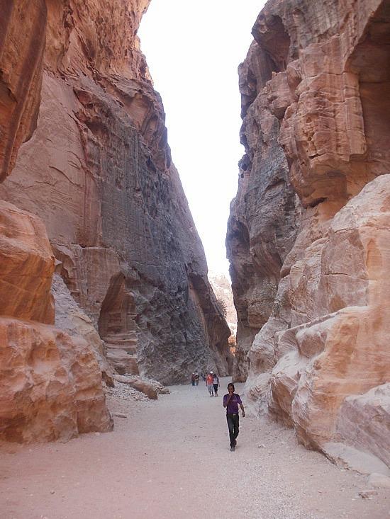 Petra entrance canyon