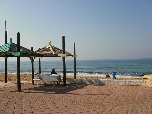 Nahariya almost-empty boardwalk