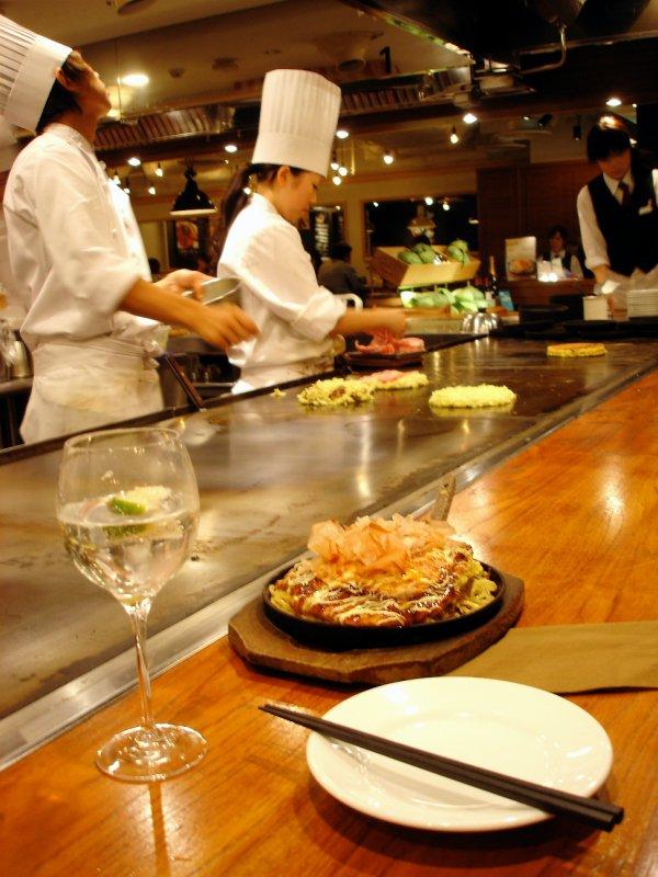 large_tokyo_okonomiyaki.jpg