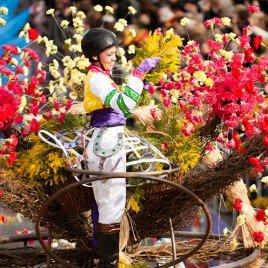 Carnival_f..parade2.jpg