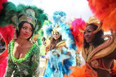 Carnival_ladies.jpg