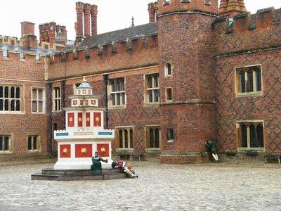 Hamptom Court Palace