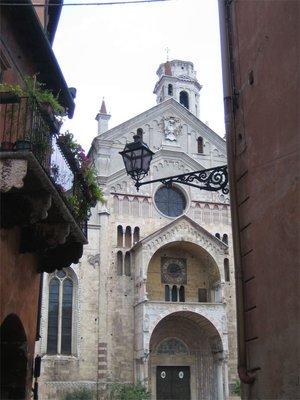 Duomo-thro..-Verona.jpg