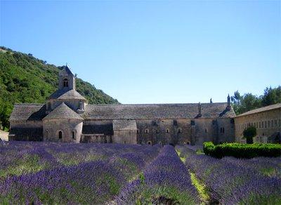 abbaye-de-senaque.jpg