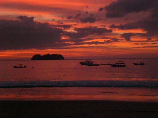 Nydelig solnedgang i Playa Hermosa