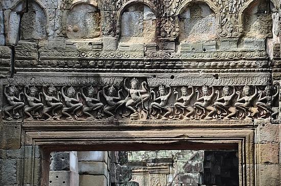 Apsara carvings