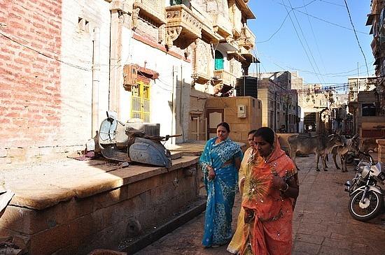 Street life in Jaisalmer