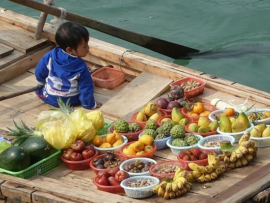 Floating fruit stall