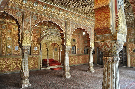 Maharaja throne