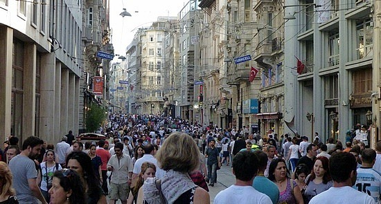 crowded streets - istanbul