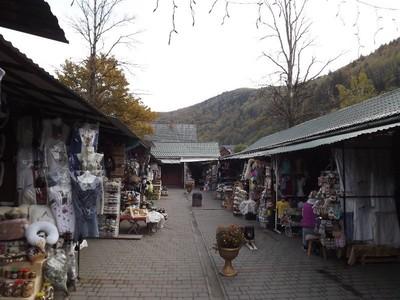 A souvenir market_5