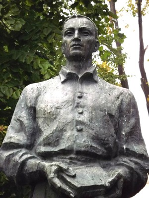Hryhoriy Skovoroda monument