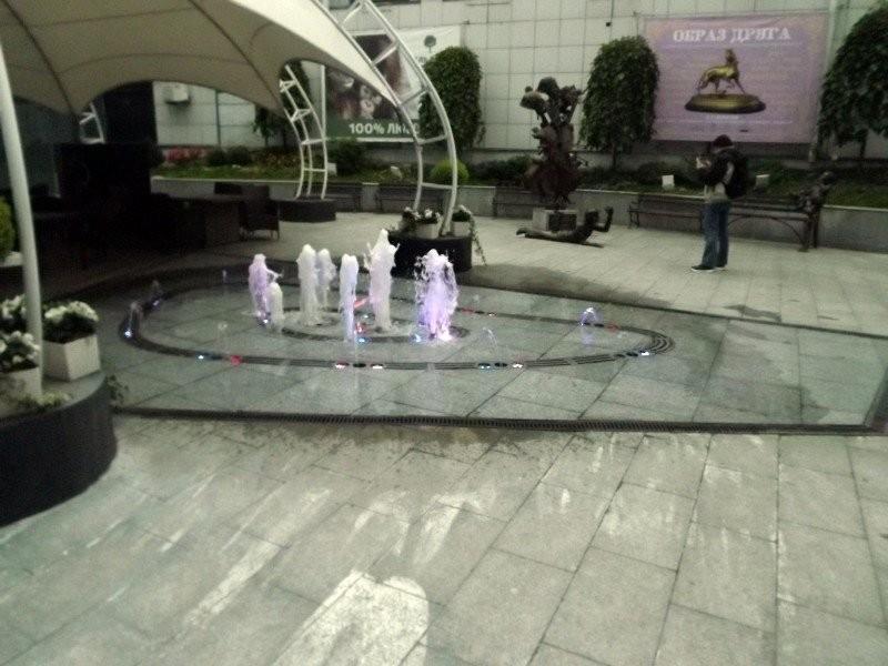 The patio of Platinum Plaza