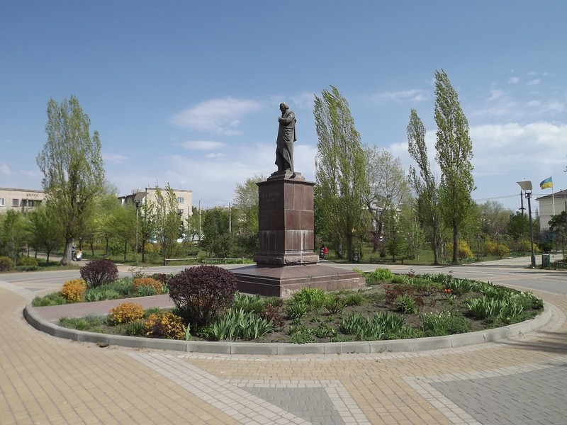 The monument to Niockolai Gogol